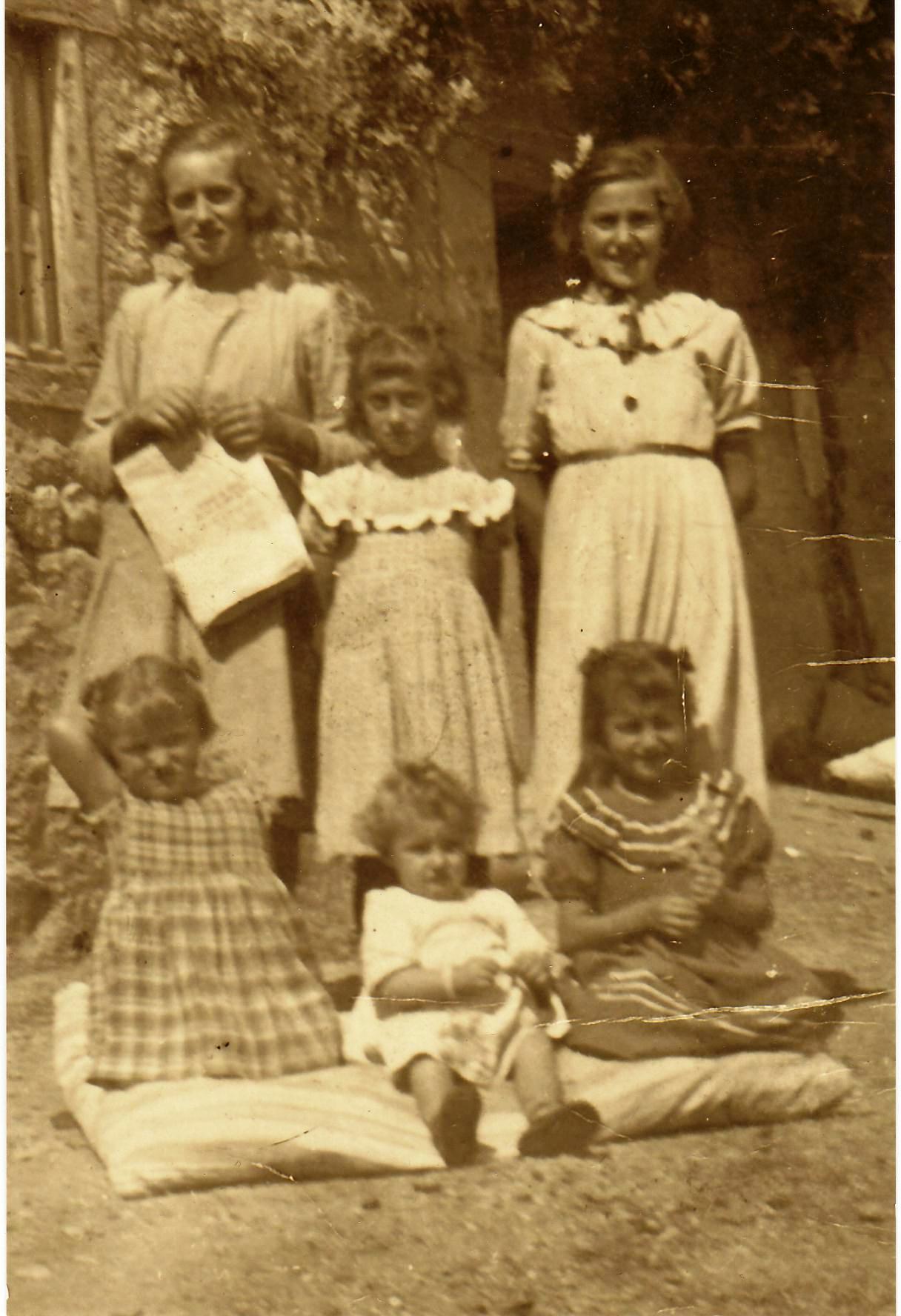 Las hermanas ortega y potro de bilbao follando en el seb - 1 9